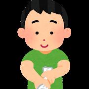 雑巾を絞る男性